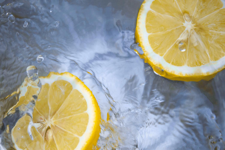 مخلوط لیمو و آناناس برای سلامتی طبیعی